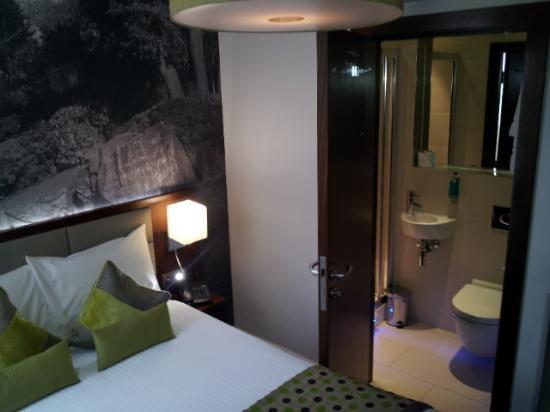 เซราฟิน โฮเทล เคนซิงตัน โอลิมเปีย: room