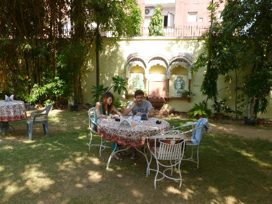 Hotel Anuraag Villa: jardin/resto