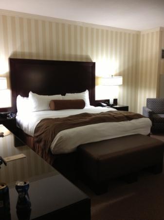 Eldorado Resort Casino: comfy bed