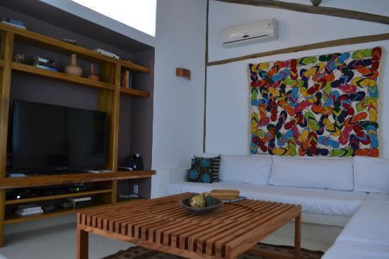 Villas de Trancoso Hotel: Area acondicionada con DVD, DirecTV, aire acondicionado