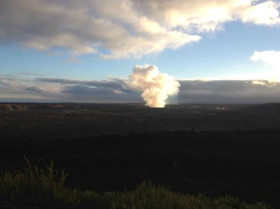 Volcano House: Halema'uma'u Crater