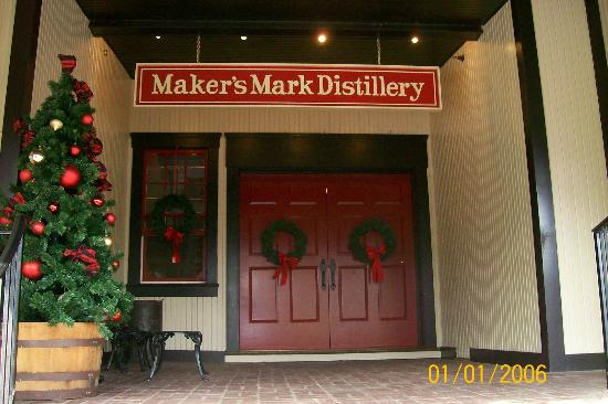 Maker's Mark: Entrance to the distillery.