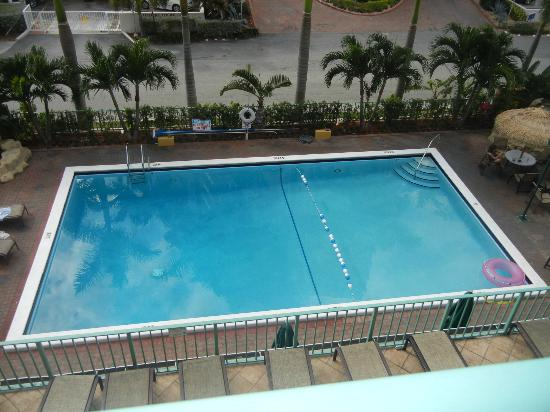 BEST WESTERN PLUS Oceanside Inn: Pool