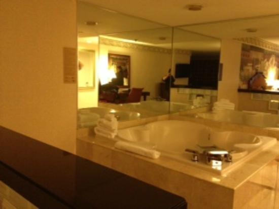 New York - New York Hotel & Casino: Players suite