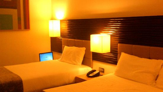 Cork International Hotel: sleeping area
