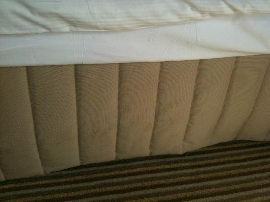 Hilton Orlando Buena Vista Palace Disney Springs: Stained Bed Skirt 2nd room