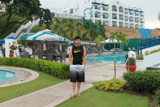 Thunderbird Resorts Poro Point: Pool side