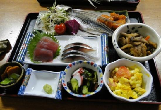 Minshuku Maetakeso : dinner at Maedakeso