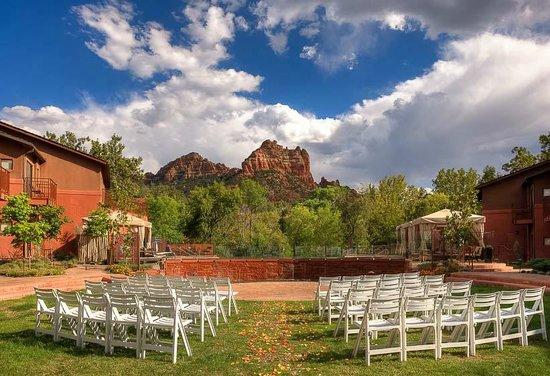 Kimpton Amara Resort & Spa: Courtyard Wedding