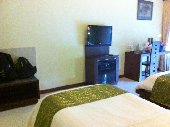 Lumbung Sari Cottages: room