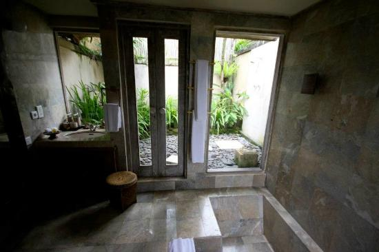 Wapa di Ume Resort and Spa: Bathroom