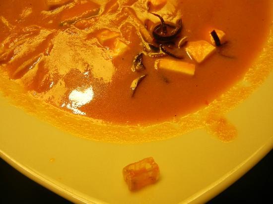Live Aqua Beach Resort Cancun: Foreign object in the tortilla soup
