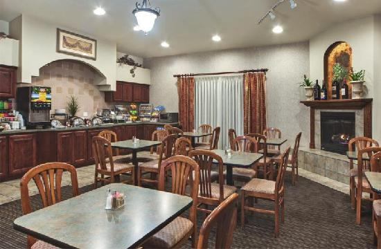 Hawthorn Suites by Wyndham Napa Valley: Breakfast Area - Hawthorn Room