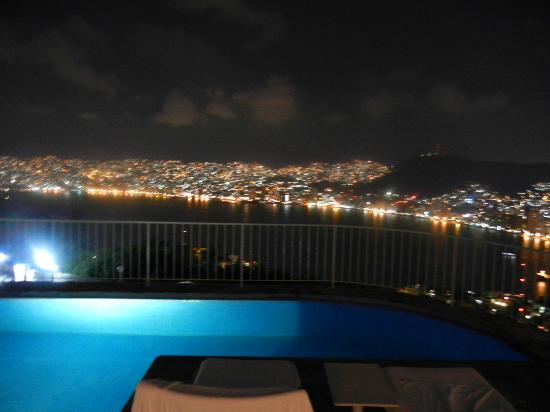 Las Brisas Acapulco: Night view from #522