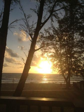 Dusit Thani Laguna Phuket: Sunset from balcony 