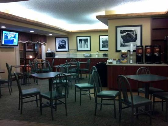 Days Inn Fargo: Breakfast room