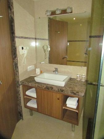 Boulevard 9 Luxury Resort & Spa : Bath