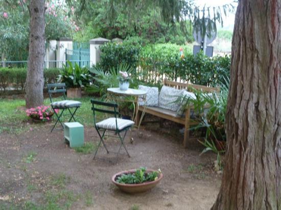Fiorenza B&B: Tranquil Garden