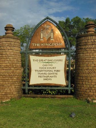 The Kingdom at Victoria Falls: Hotel sign