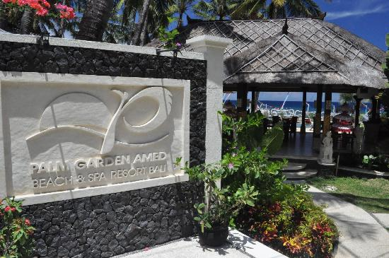 Palm Garden Amed Beach & Spa Resort: Beautiful entrance looking into the restaurant