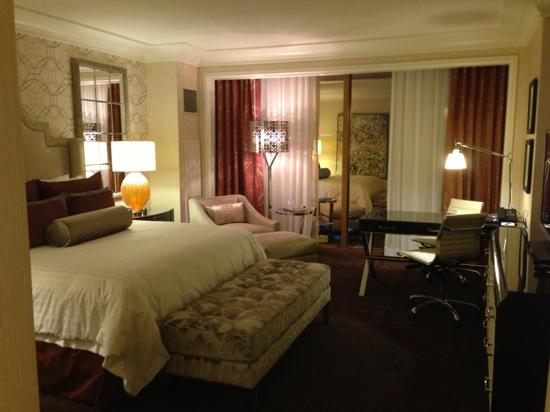 Four Seasons Hotel Las Vegas: newly renovated strip view room