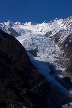 Franz Josef Glacier: flying towards the Glacier