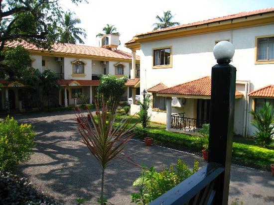 The Royale Assagao: Outside a Villa
