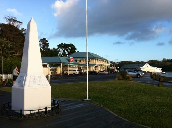 Mangonui Waterfront Apartments: surrounding scenery