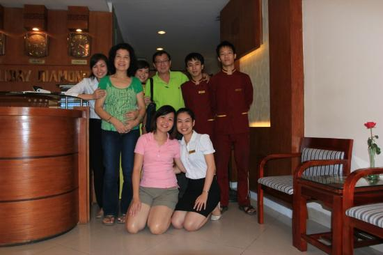 Hanoi Holiday Diamond Hotel: My travelling buddies.