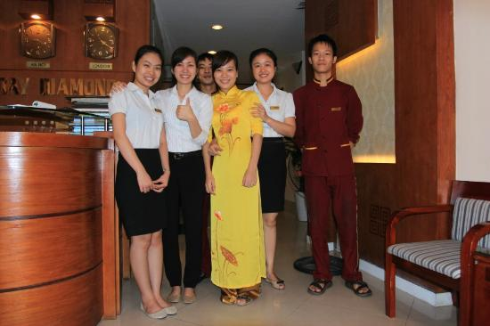 Hanoi Holiday Diamond Hotel: Front office staffs group photo