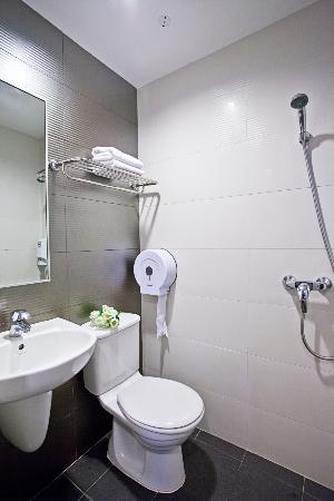 Fragrance Hotel - Bugis : Bathroom