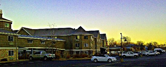 Stoney Creek Hotel & Conference Center - East Peoria: vista general desde el estacionamiento