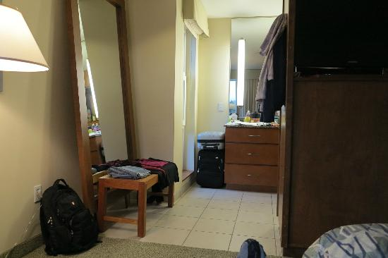 Watertown Hotel - A Staypineapple Hotel : 2-queen studio: looking from a bed toward the bathroom sink area