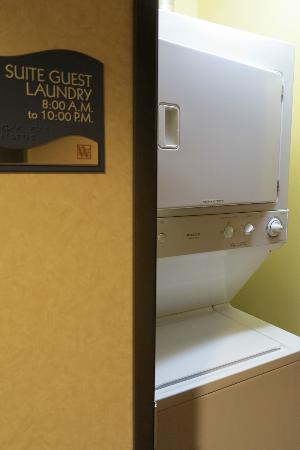 Watertown Hotel - A Staypineapple Hotel: Each floor has a free washer/dryer. They sell supplies at the front desk.