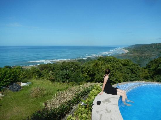 Hotel Vista de Olas: The view from the pool