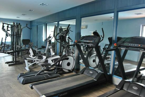 Hotel Atchaya: Fitness center