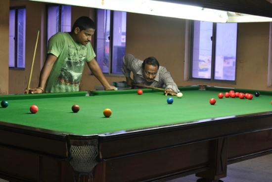 Hotel Atchaya: Indoor snooker