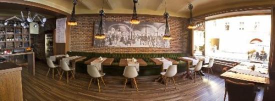 Pilvax: restaurant