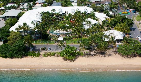 Coral Sands Beachfront Resort : Aerial photograph of property