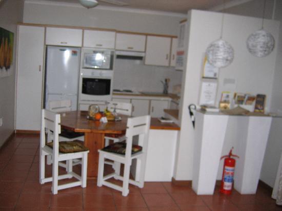 Montagu 4 Seasons : Kitchen Unit 1