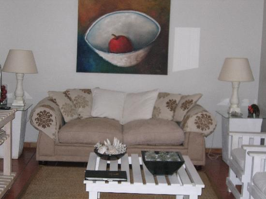 Montagu 4 Seasons : Lounge Unit 1