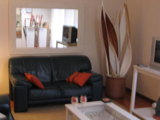 Montagu 4 Seasons : Lounge Unit 2