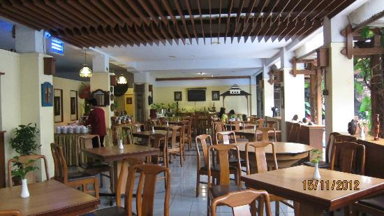 Mutiara Hotel: Restaurant_breakfast serve here