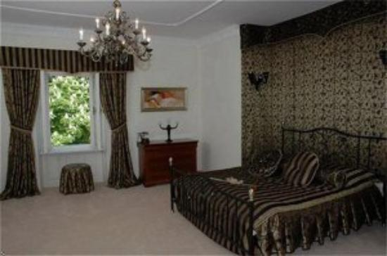 The Chateau: Suite