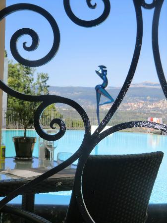 piscine du restaurant la pergola picture of le mas. Black Bedroom Furniture Sets. Home Design Ideas