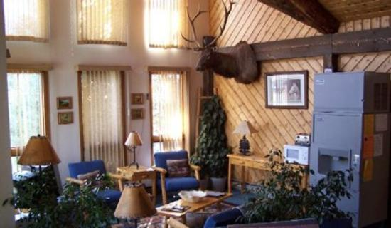 Wolf Creek Ski Lodge: Lobby View