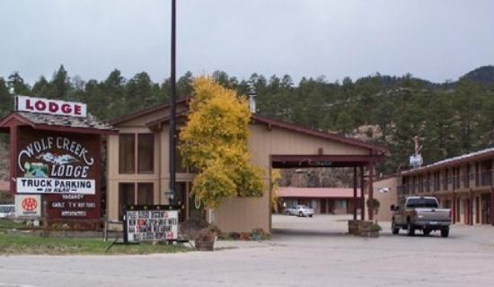 Wolf Creek Ski Lodge: Exterior View