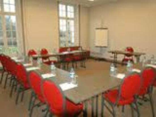 Domaine du Manet : One of our chateau's meeting rooms.