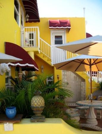 Villa Sinclair Beach Suites & Spa: Other Hotel Services/Amenities