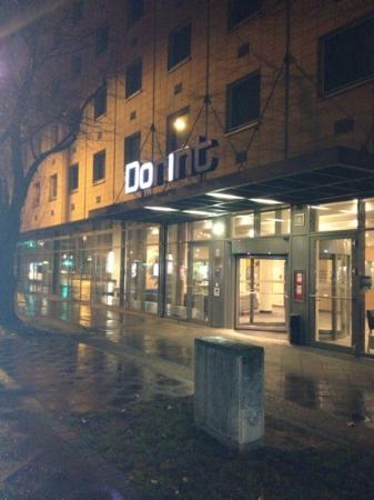 Dorint Adlershof Berlin : die leutwerbung ist Sinnbild, dass hier vieles nicht stimmt